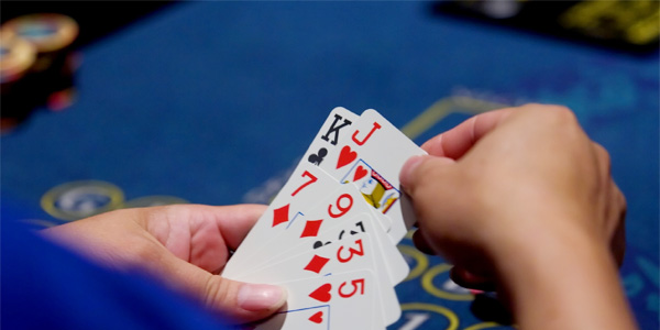Awesome techniques to choose the best poker site